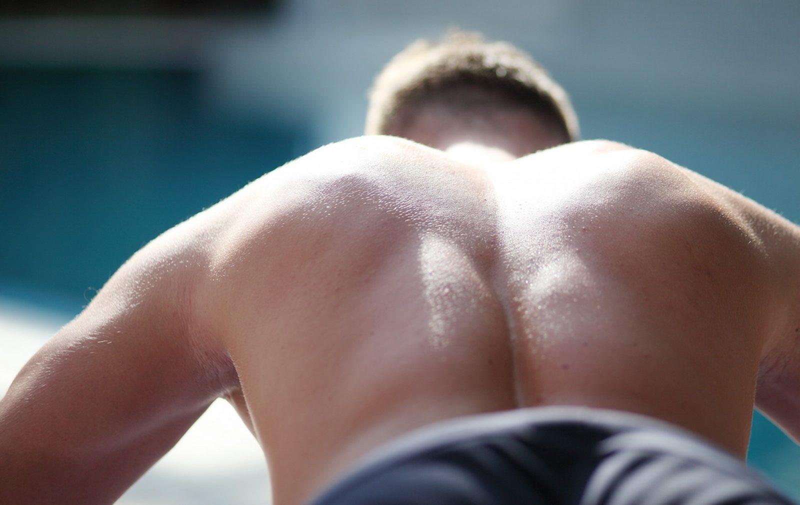 homem faz exercício para vencer a gordura