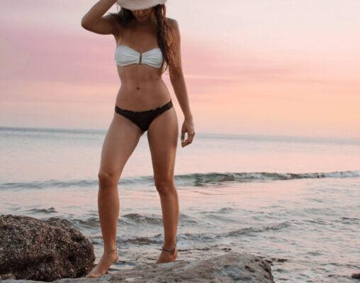 dicas para ter um corpo de verão, mulher de bikini na praia